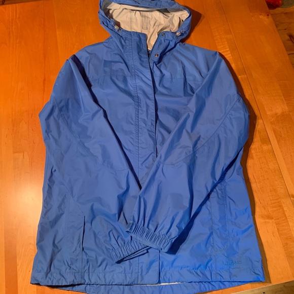 f2eb20728e9 L.L. Bean Jackets   Blazers - Women s Blue LL Bean Rain Jacket